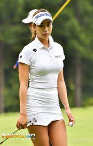 Las koreanas son autenticas bellezas en formas y modelos publicitarios en circuito americano de golf LPGA