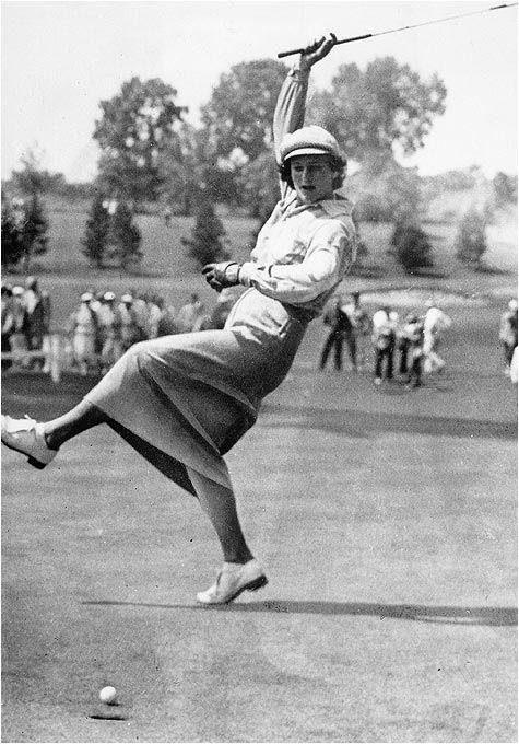 Mejorar el hcp golf con Gestos femeninos al embocar un putter en 1915