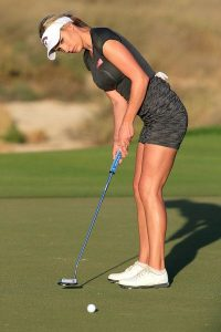 Paige Spiranac es icono publicitario y las grandes marcas del golf femenino se pelean por ella