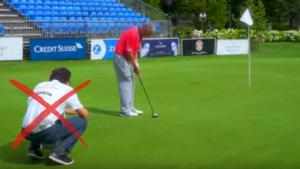 En el green no se permite que el caddy te ayude con la linea de tiro y la alineación correcta segun las nuevas reglas de golf 2019